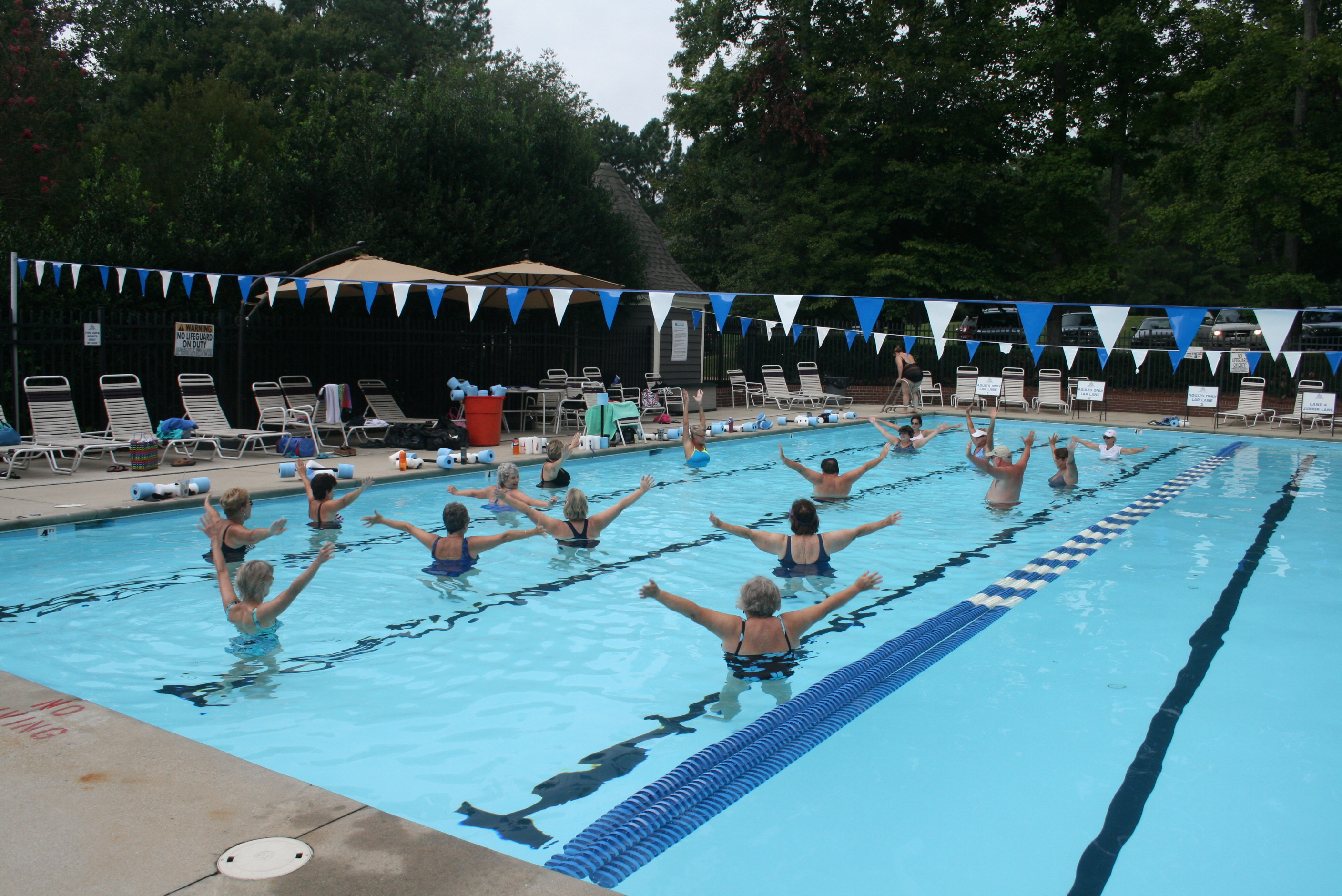 Morning  & Evening Water Aerobics Classes Continue