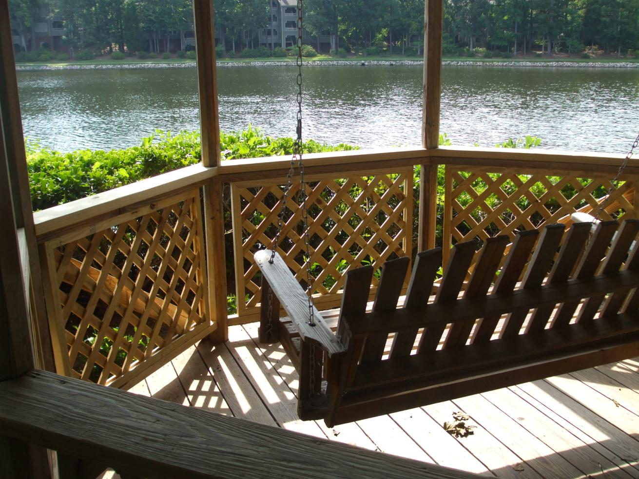 Lomond Lake Gazebo 2